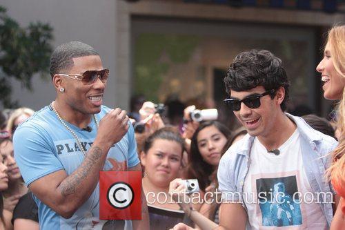 Nelly and Joe Jonas 28