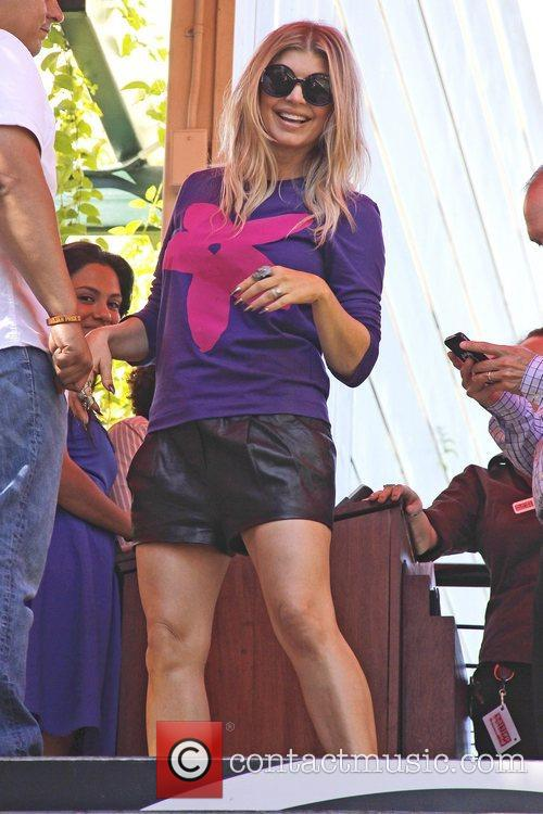 fergie seen at the grove to appear 5934333
