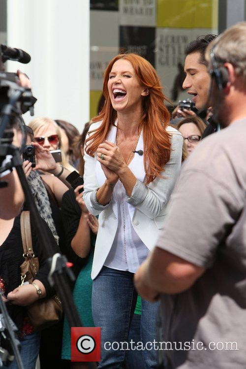Poppy Montgomery and Mario Lopez 7