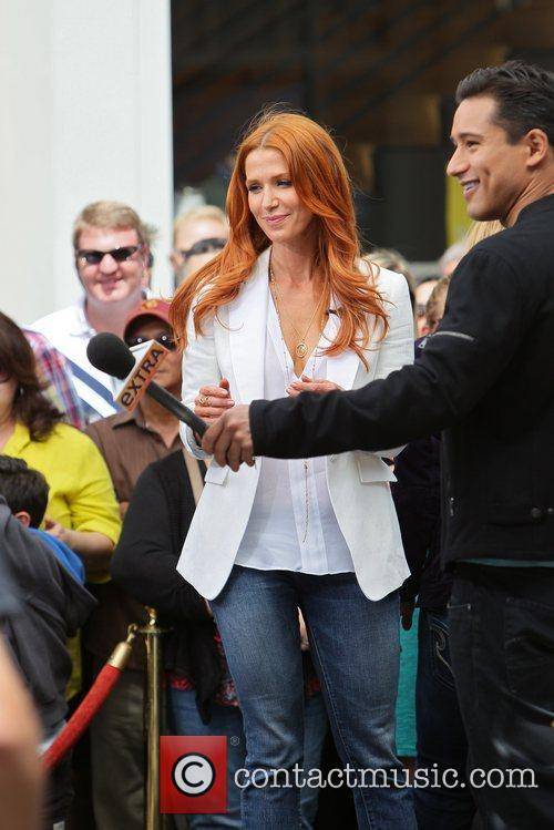 Poppy Montgomery and Mario Lopez 26