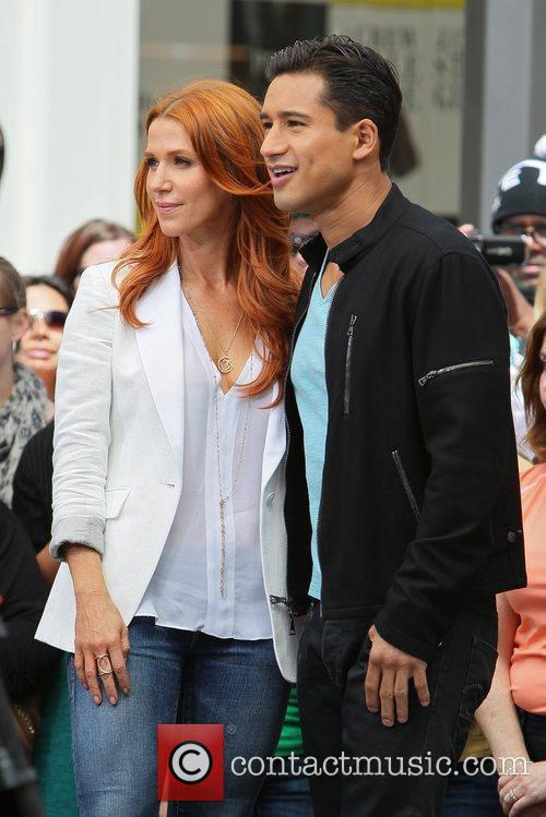 Poppy Montgomery and Mario Lopez 27