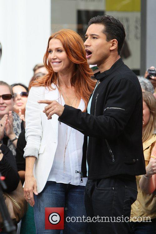 Poppy Montgomery and Mario Lopez 31