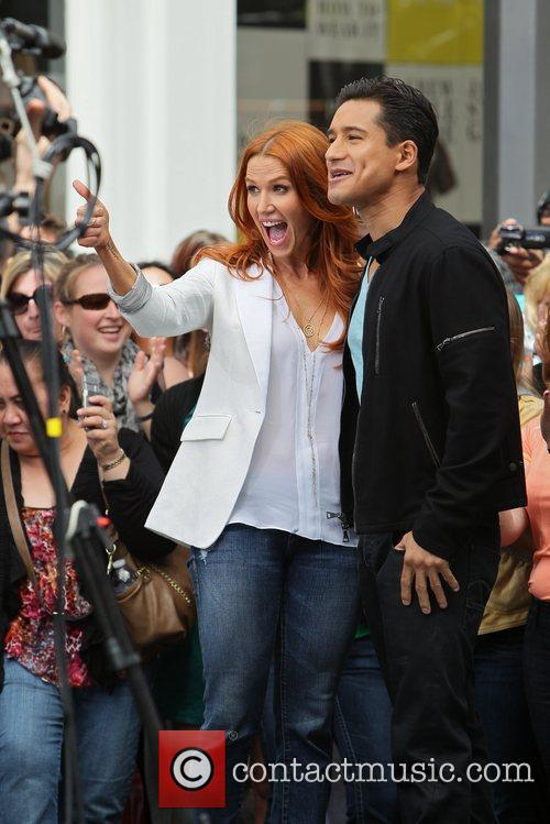 Poppy Montgomery and Mario Lopez 32