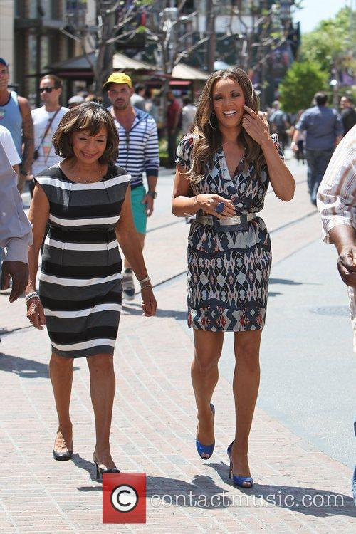 Vanessa Williams, Helen Williams and Mario Lopez 1
