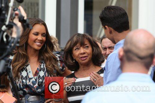 Vanessa Williams, Helen Williams and Mario Lopez 10