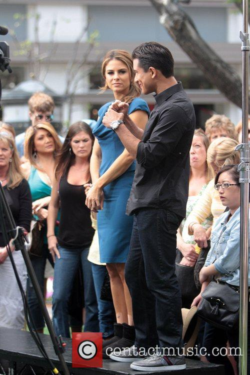 Maria Menounos and Mario Lopez 4