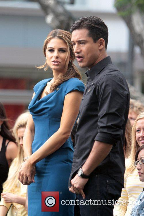 Maria Menounos and Mario Lopez 5