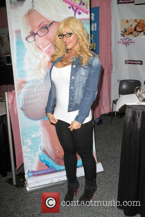 Adult Fillm Actress Taylor Stevens  Exxxotica 2012...