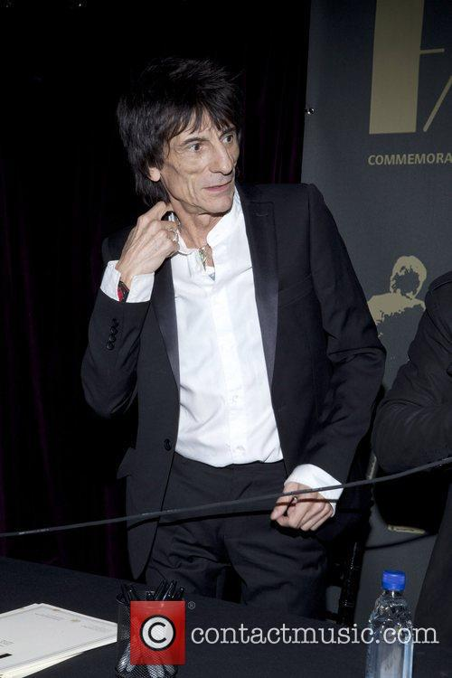 ronnie wood rolling stones and formaly of 3823831