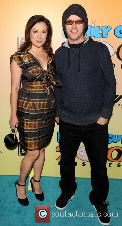 Jennifer Tilly and Guest  Family Guy 200th...