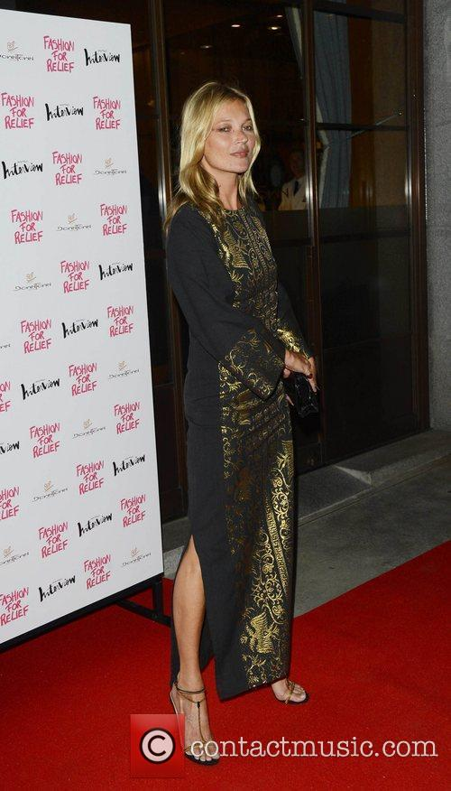 kate moss fashion for relief party held 4027330