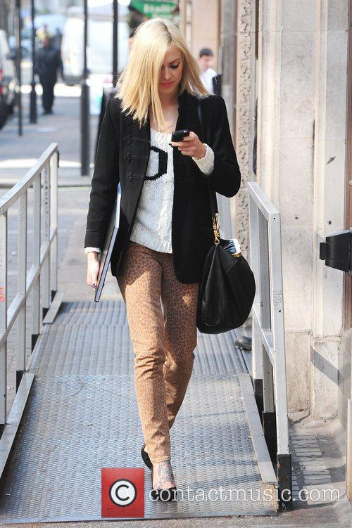 Fearne Cotton  seen on her cell phone...