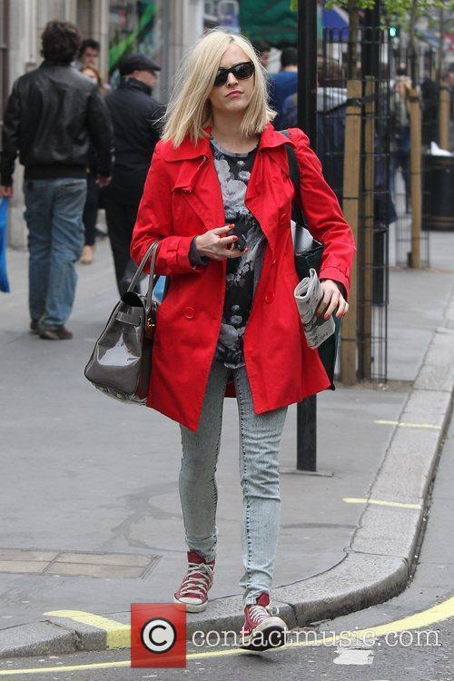 fearne cotton at the bbc radio 1 3782728