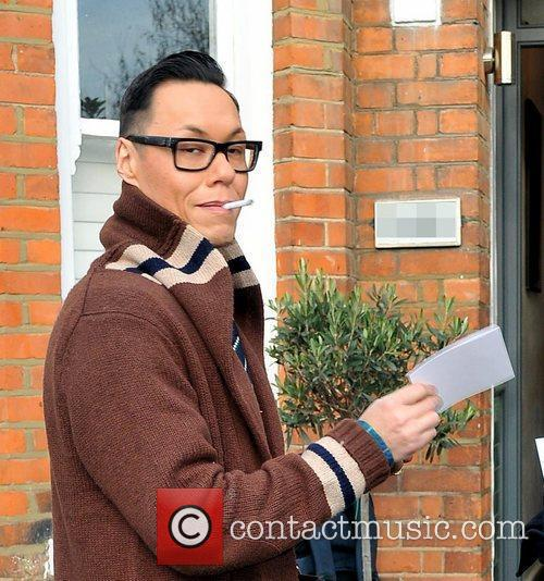 Arriving at Fearne Cotton's house for her Christmas...