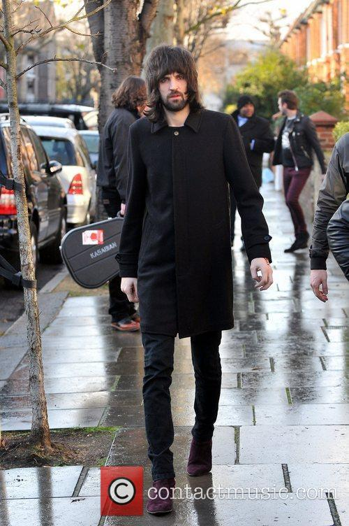 serge pizzorno of kasabian leaving fearne cottons 3664004