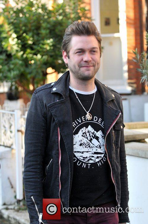 Tom Meighan and Kasabian 3