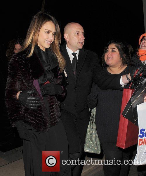 Jessica Alba, Salvator Ferragamo, As and But 4