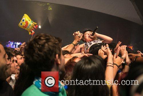 Friends performing live at Festival Paredes de Coura...