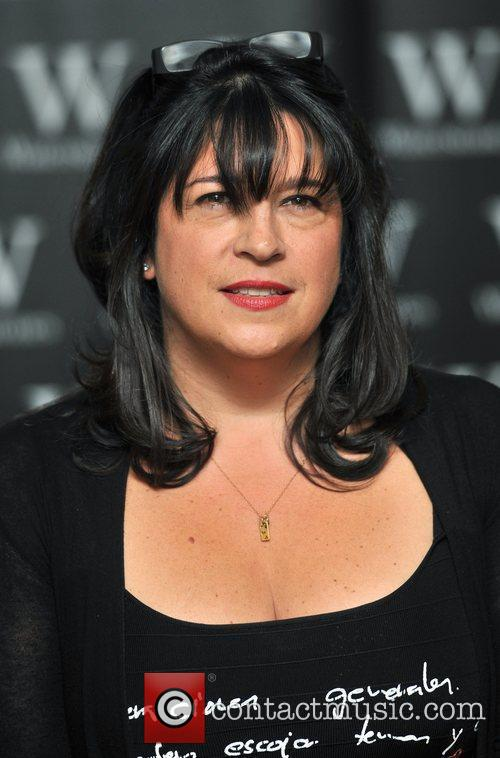 E.L. James, 50 Shades of Gray Signing