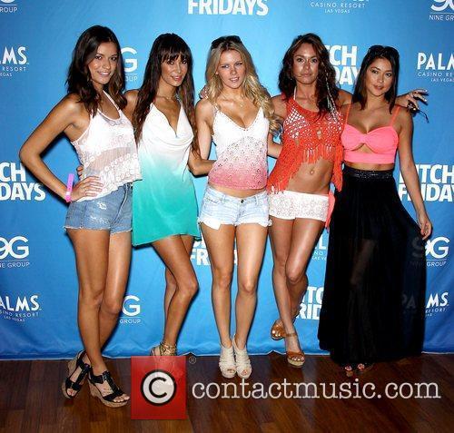 Vanessa Hanson, Kenda Perez, Chrissy Blair, Rachelle Leah,...