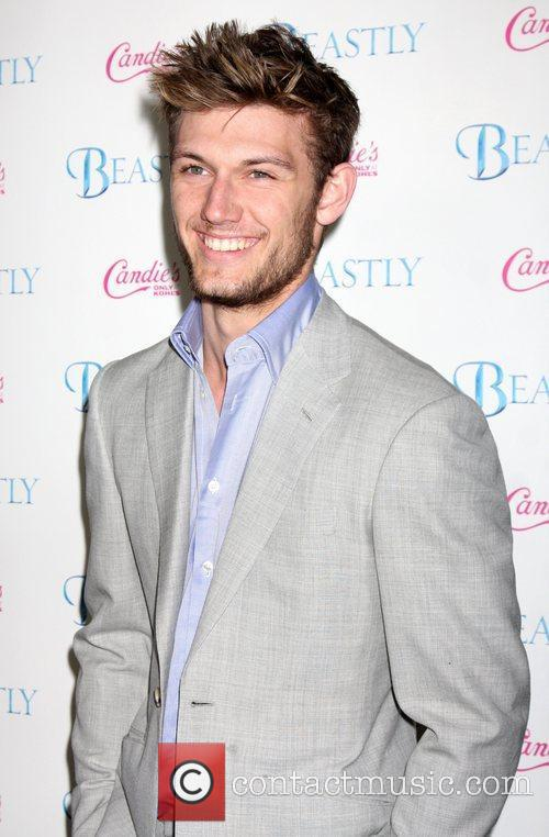 *file photo* * KEOUGH ENGAGED TO PETTYFER -...