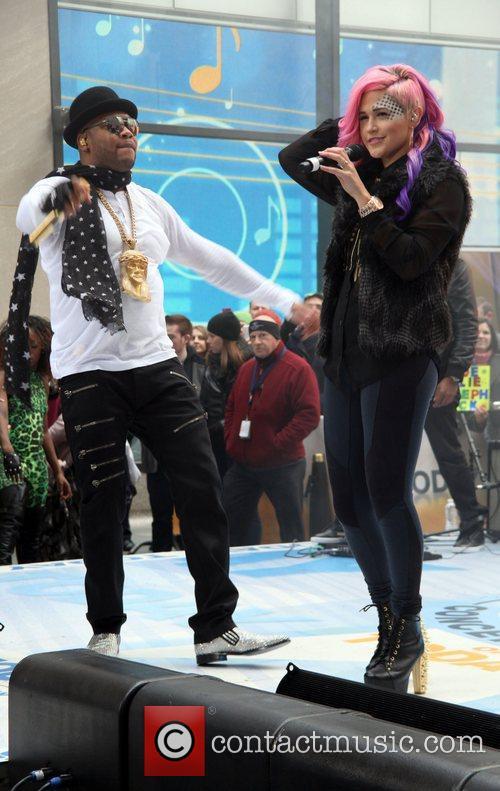 Flo Rida and Sia 4