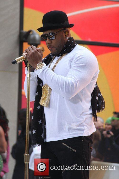 flo rida performing live on nbcs toyota 4181190