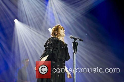 Florence Welch, The Machine and Arena 11