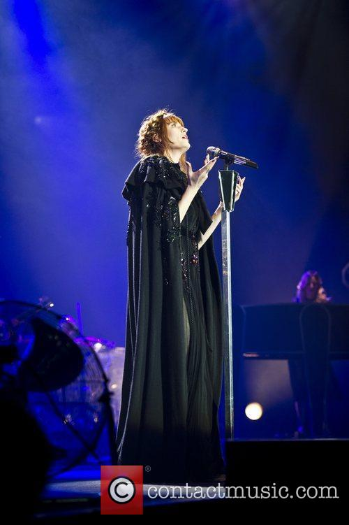 Florence Welch, The Machine and Arena 5