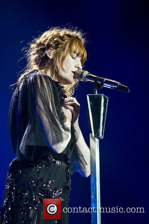 Florence Welch, The Machine and Arena 12