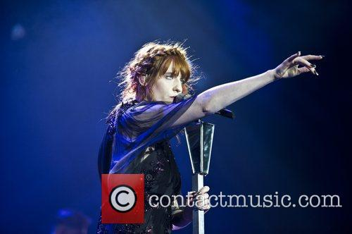 Florence Welch, The Machine and Arena 15