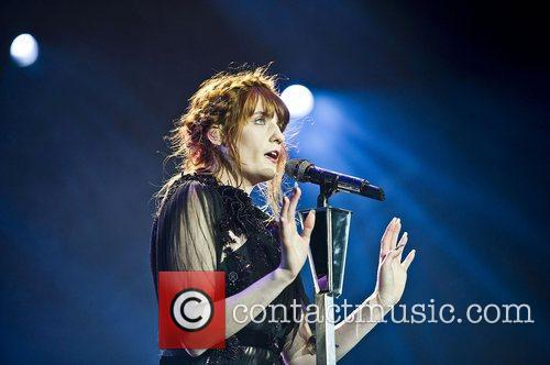 Florence Welch, The Machine and Arena 2