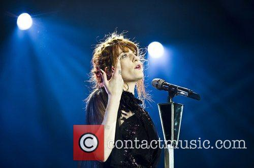 Florence Welch, The Machine and Arena 10