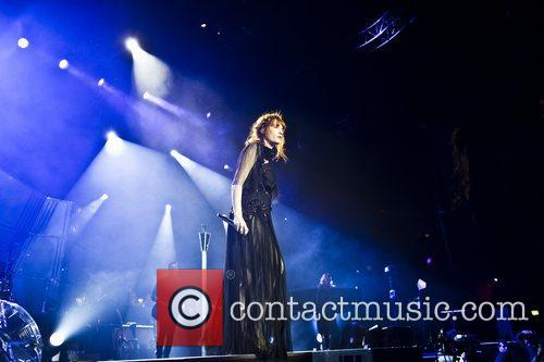 Florence Welch, The Machine and Arena 8