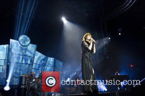 Florence Welch, The Machine and Arena 18
