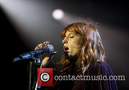 Florence Welch and Machine 5