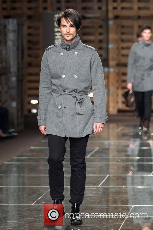 Model Portugal Fashion Week- Fall/Winter 2012- Fly London-...