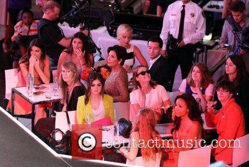 Kendra Wilkinson, Kendall Jenner, Kris Jenner, Kylie Jenner and Lucy Hale 3