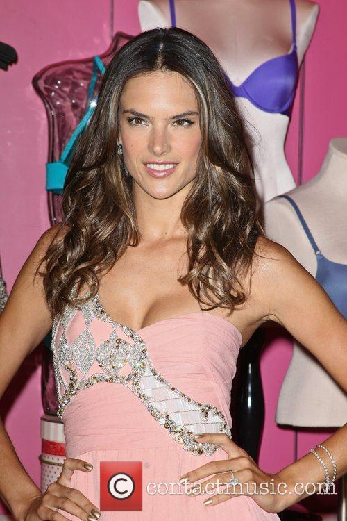 alessandra ambrosio fashions night out 2012 victorias 5906123