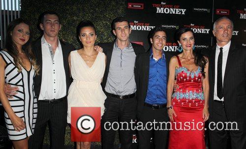 Izek Shomof, Aline Shomof with their children The...