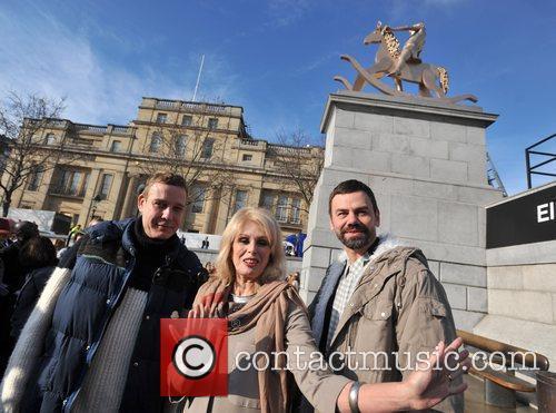 Joanna Lumley and Trafalgar Square 4
