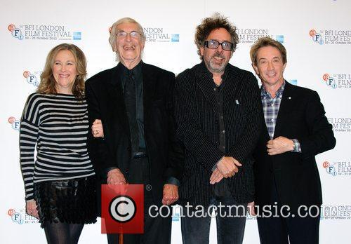 Catherine O'hara, Martin Landau, Tim Burton and Martin Short 9