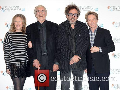 Catherine O'hara, Martin Landau, Tim Burton and Martin Short 4