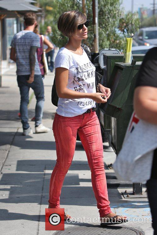 frankie sandford the saturdays singer goes out 5927472