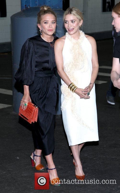 Mary-Kate Olsen and Ashley Olsen 15