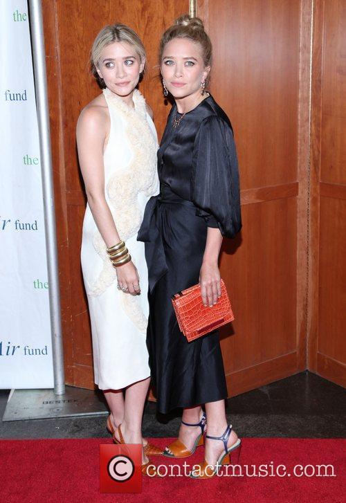 Mary-Kate Olsen and Ashley Olsen 16