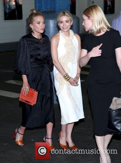 Mary-Kate Olsen and Ashley Olsen 18