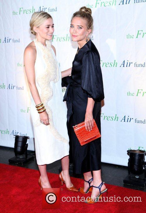 Mary-Kate Olsen and Ashley Olsen 21