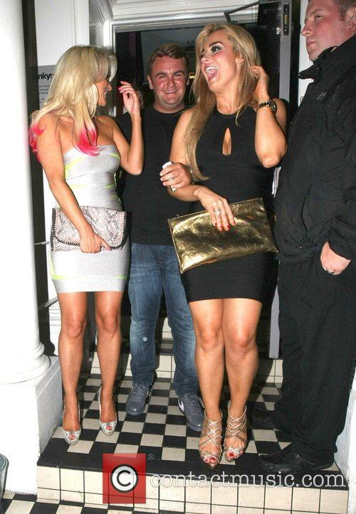 Amanda Harrington and Gillian O'Toole outside Funky Mojoe...