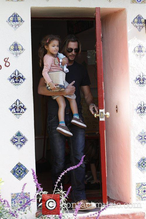 Gabriel Aubry and Halle Berry 3
